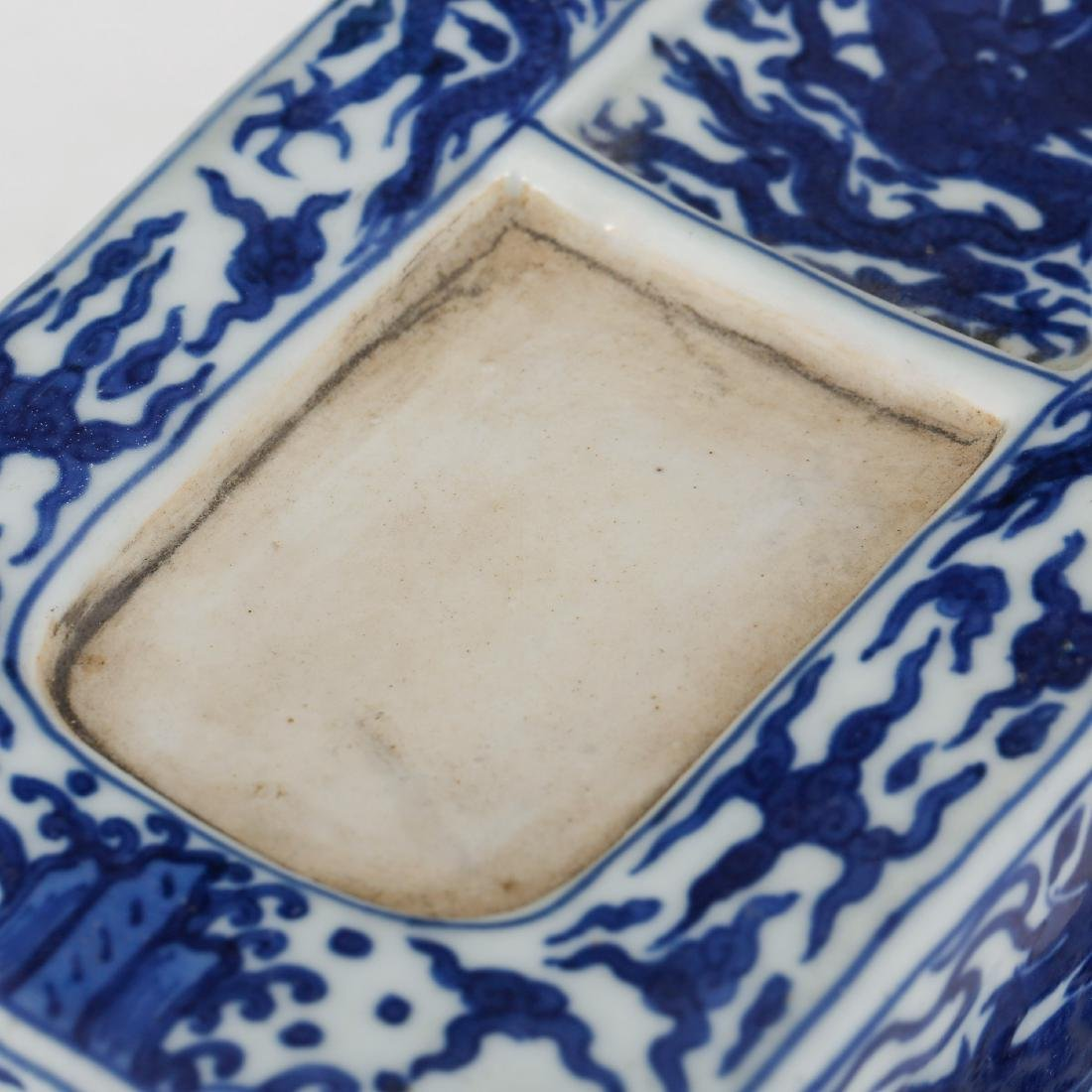 CHINESE BLUE AND WHITE PORCELAIN INK PALETTE - 3