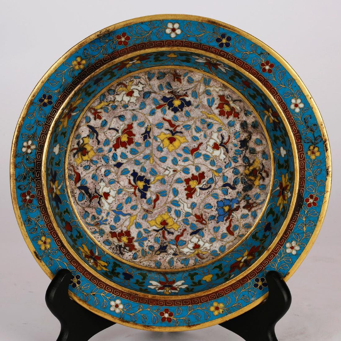 CHINESE CLOISONNE FOLIAGE PATTERN CHARGER