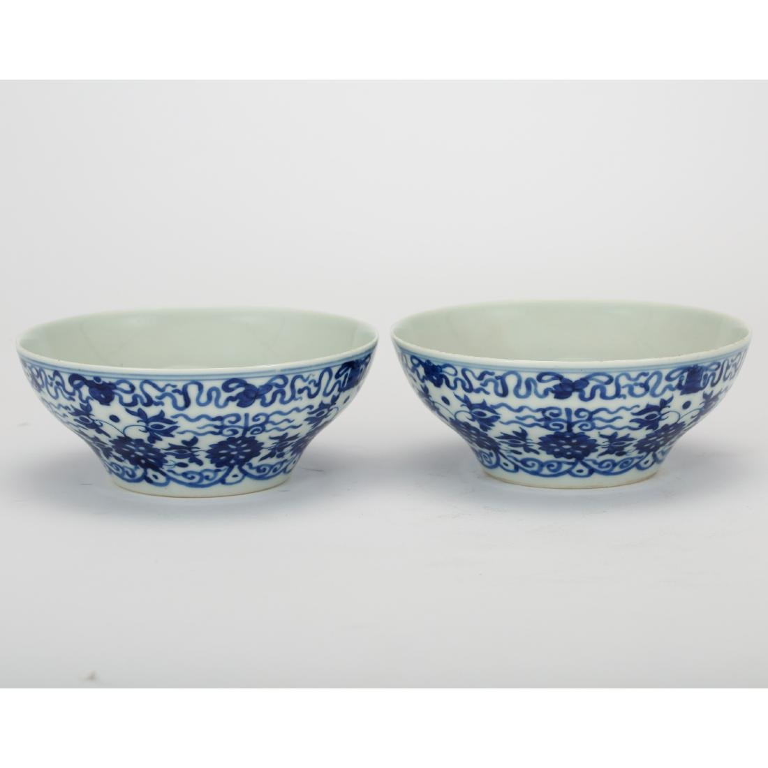 CHINESE PAIR OF BLUE AND WHITE PORCELAIN BOWLS