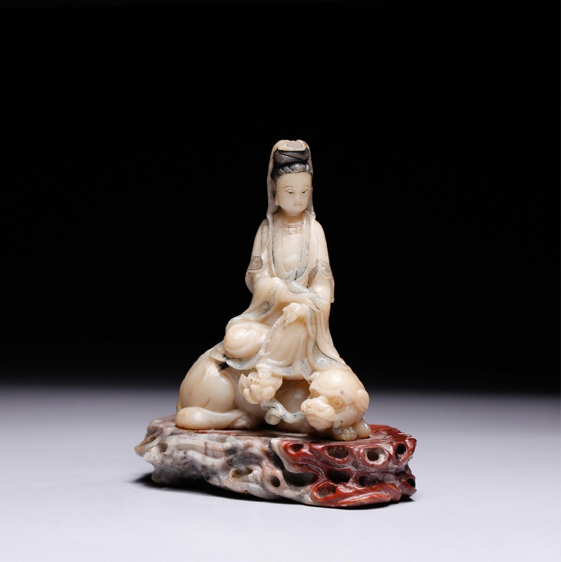 CHINESE SOAPSTONE CARVED FIGURE OF GUANYIN