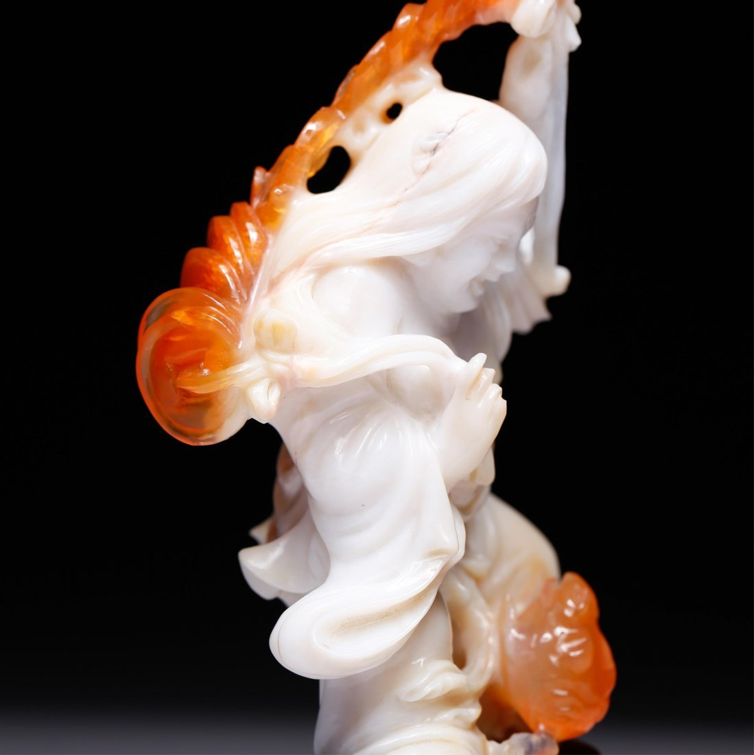 CHINESE AGATE CARVED FIGURE OF LIUHAI - 9