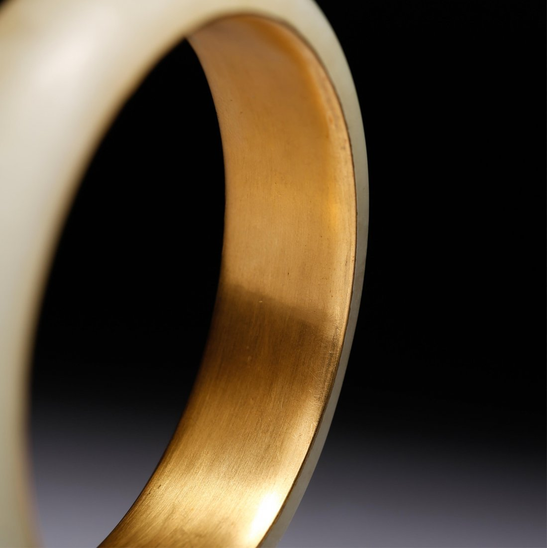 CHINESE GOLD AND YELLOW JADE BANGLE - 3