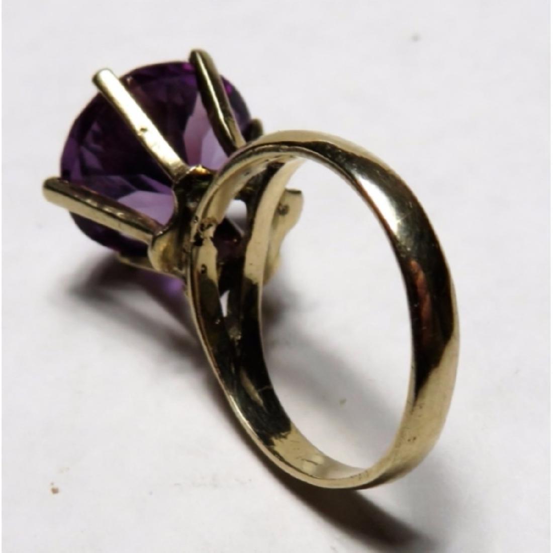 15 ct. Oval Amethyst Ring in 14k YG - 6