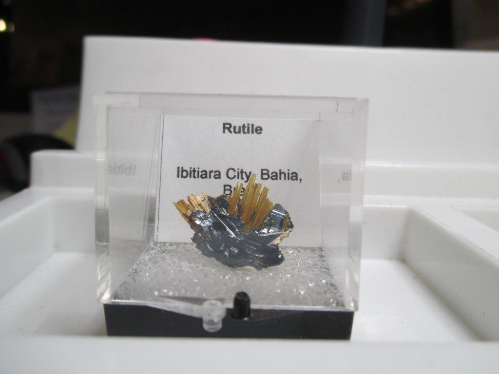 SPECTACULAR RUTILE Specimen in Case