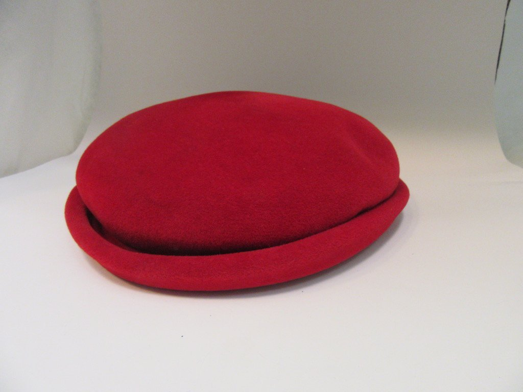 Lot of 5 Vintage Hats in Hat Box - 2