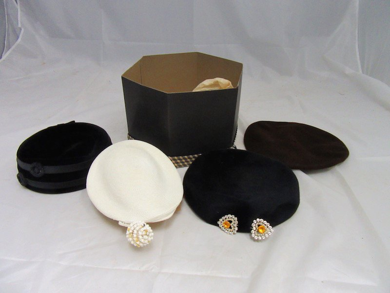 Lot of 4 Vintage Hats in Hat Box
