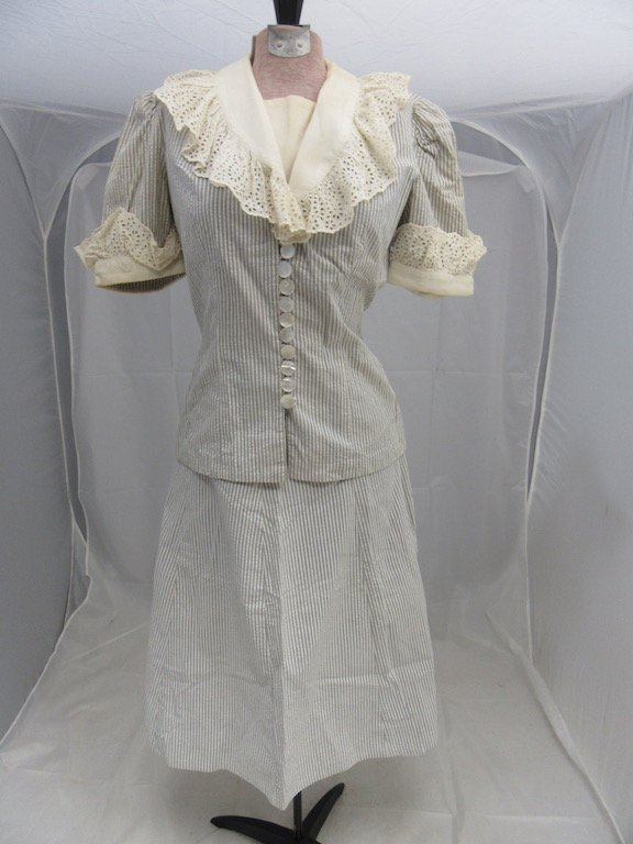 1930's Shabby Chic Ruffled Collar Blouse with Skirt