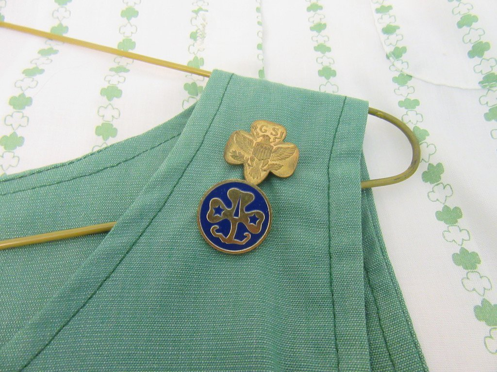 Two 1960s Girl Scout/Brownie Girl Uniforms - 3