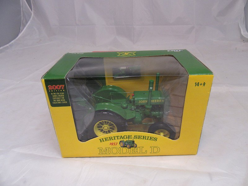 Ertl John Deere Heritage Series 2007 and 2008 Edition - 3