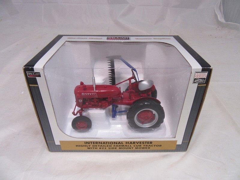 1999 Limited Edition Lafayette Farm Toy Show Farmall - 2