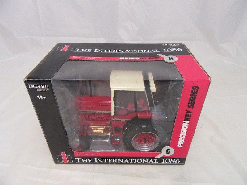 Ertl Precision Key Series International 1086