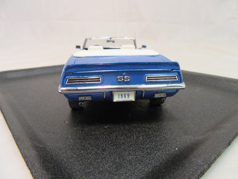 Danbury Mint 1969 Chevrolet Camaro - 4