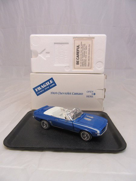 Danbury Mint 1969 Chevrolet Camaro - 7