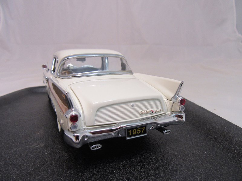 Danbury Mint 50th Anniversary 1957 Studebaker Golden - 3