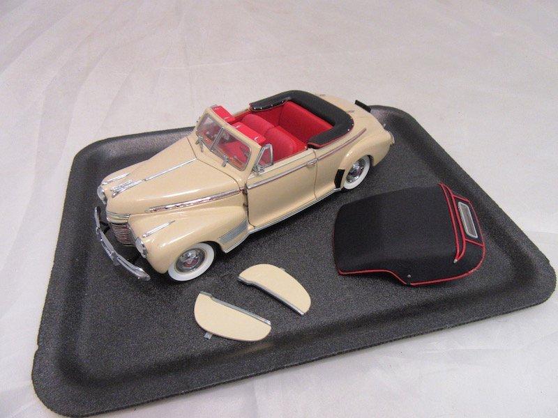 Danbury Mint 1941 Chevrolet Special Deluxe Convertible