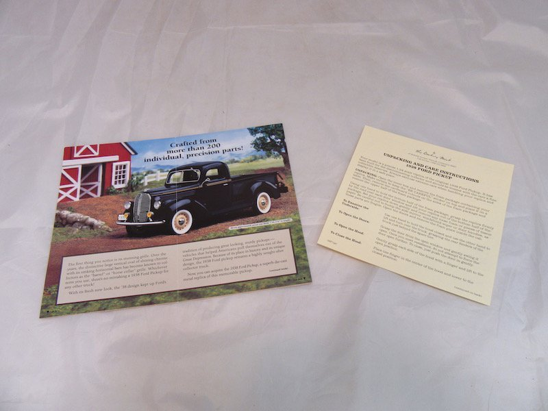 Danbury Mint 1938 Ford Pickup - 3
