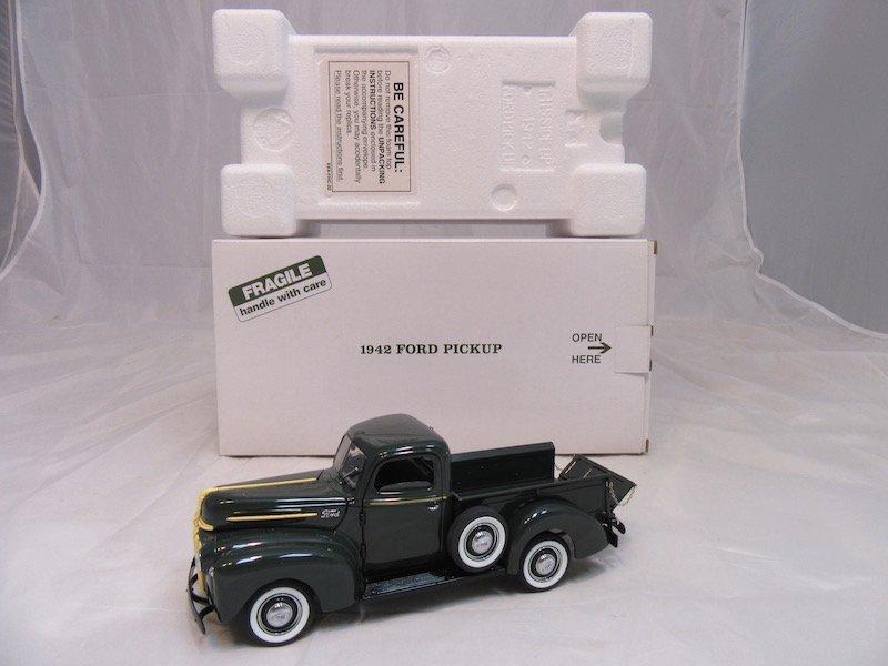 Danbury Mint 1942 Ford Pickup - 4