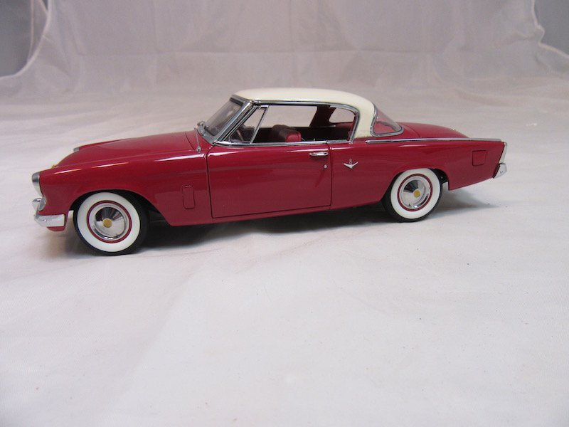 Danbury Mint 1953 Studebaker Commander Starliner