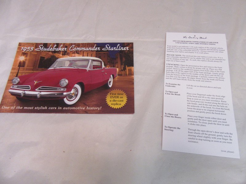Danbury Mint 1953 Studebaker Commander Starliner - 3