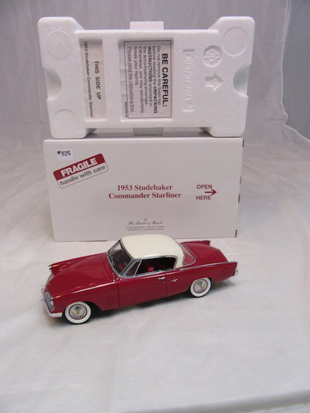 Danbury Mint 1953 Studebaker Commander Starliner - 4