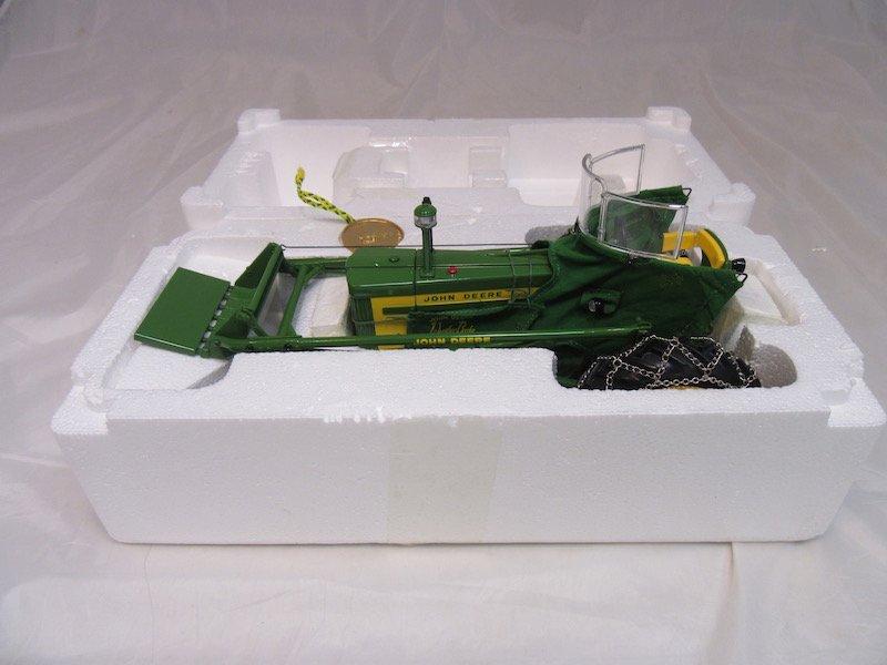 Ertl Precision Classics John Deere Model 720 Tractor - 4