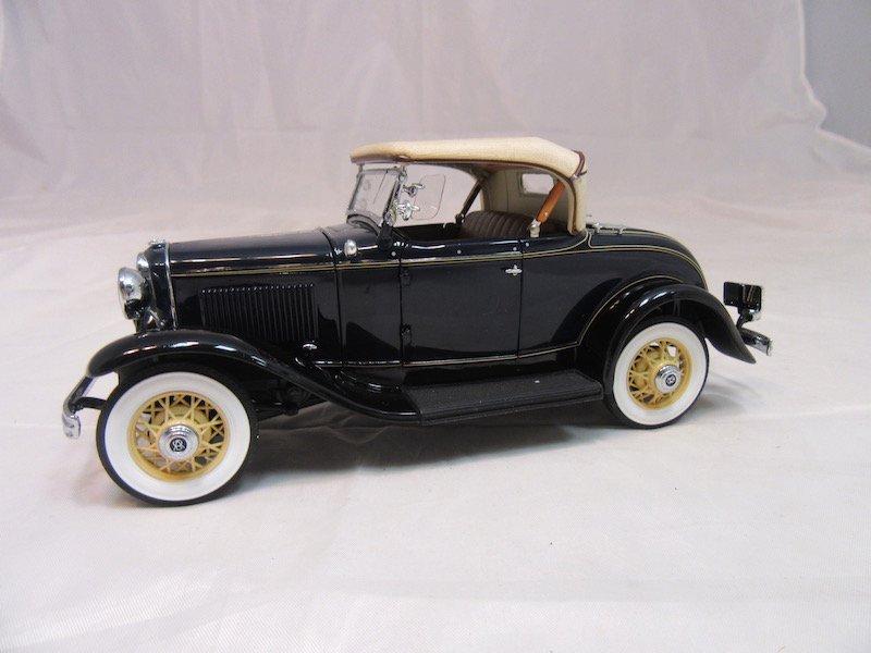 Danbury Mint 1932 Ford De Luxe Roadster V-8