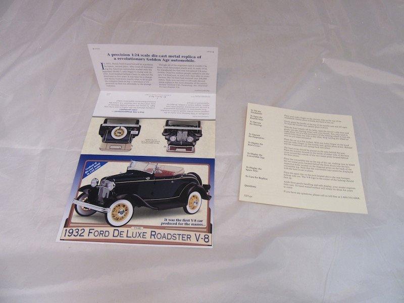 Danbury Mint 1932 Ford De Luxe Roadster V-8 - 3