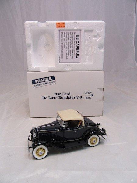 Danbury Mint 1932 Ford De Luxe Roadster V-8 - 4