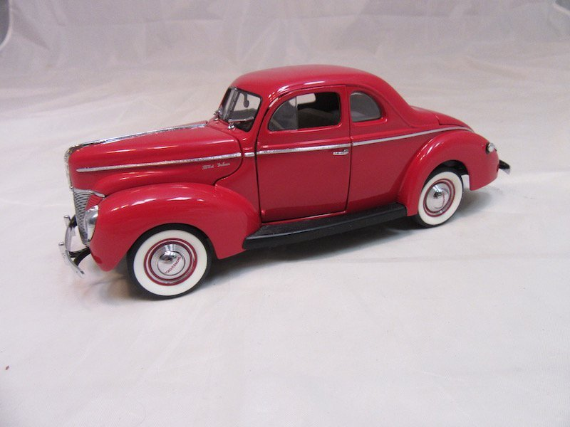 Danbury Mint 1940 Ford Deluxe Coupe