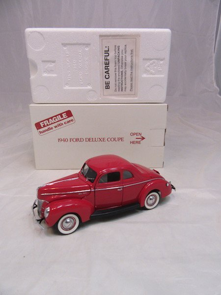 Danbury Mint 1940 Ford Deluxe Coupe - 4