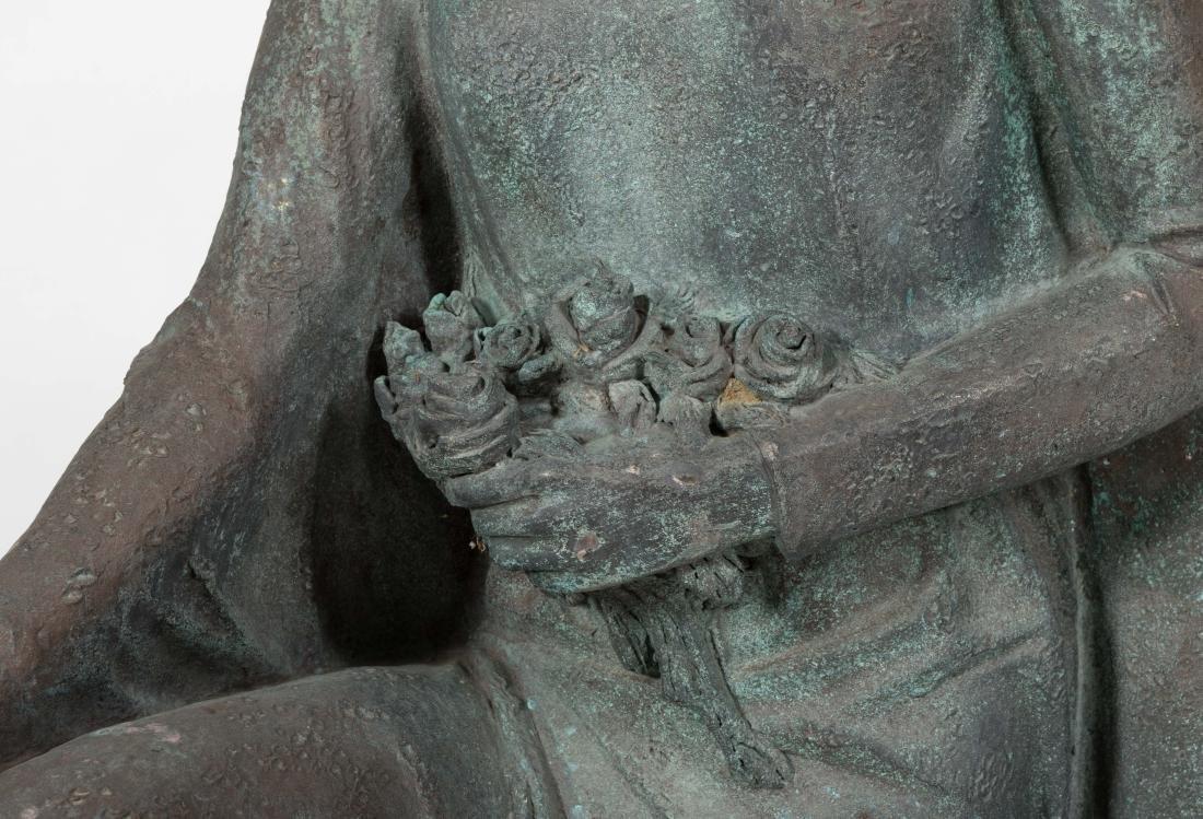 Large Bronze Kneeling Woman - 4