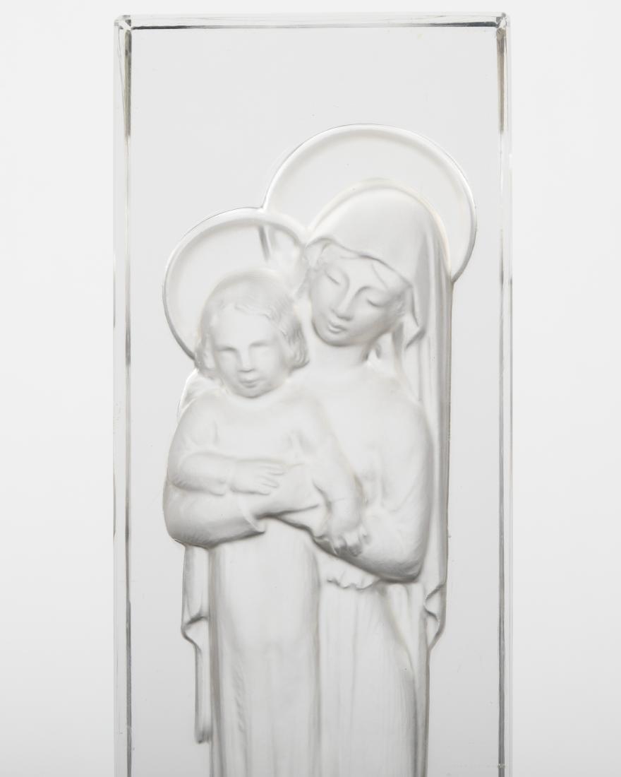 Lalique - Vierge a L'enfant Intaglio - 2