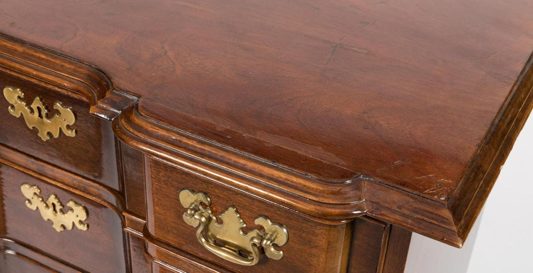 Block Front Mahogany Bachelor Chest - 2