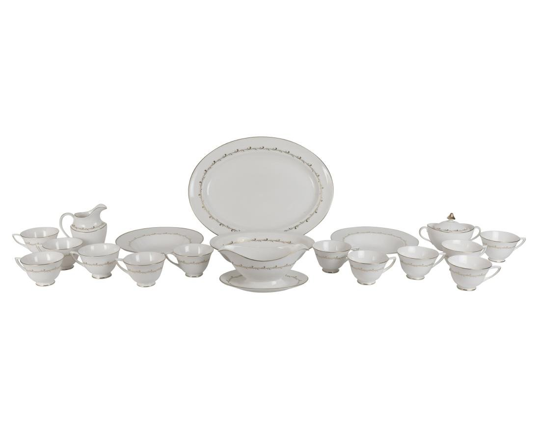 75 Piece Royal Doulton Rondo Dinner Set - 3