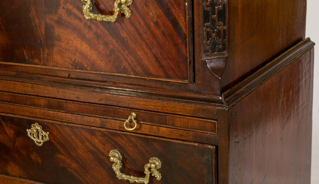 English Chippendale Mahogany Chest on Chest - 2
