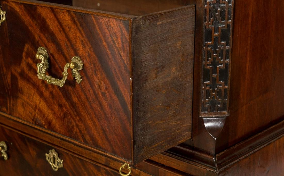 English Chippendale Mahogany Chest on Chest - 4