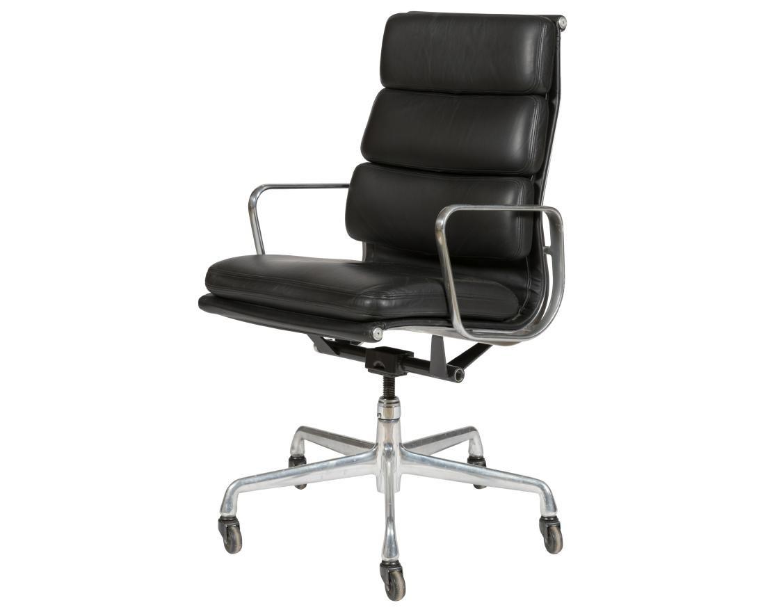 Charles Eames Black Soft Pad Chair (437)