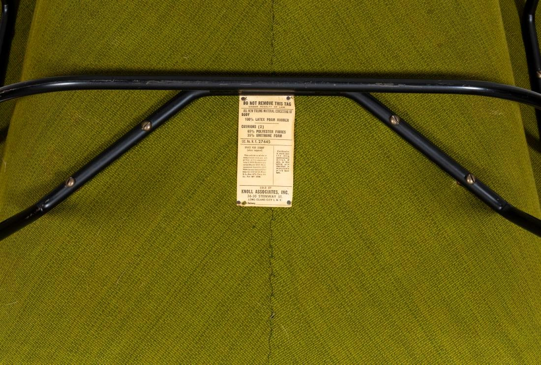 Eero Saarinen for Knoll Womb Chair and Ottoman - 6