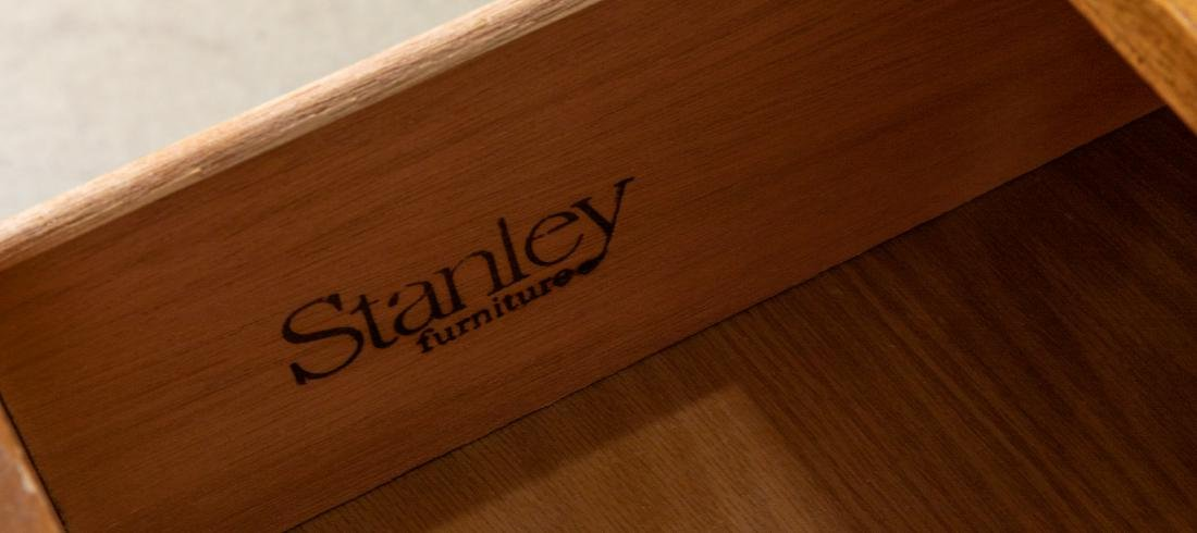 Stanley Campaign Style desk - 3