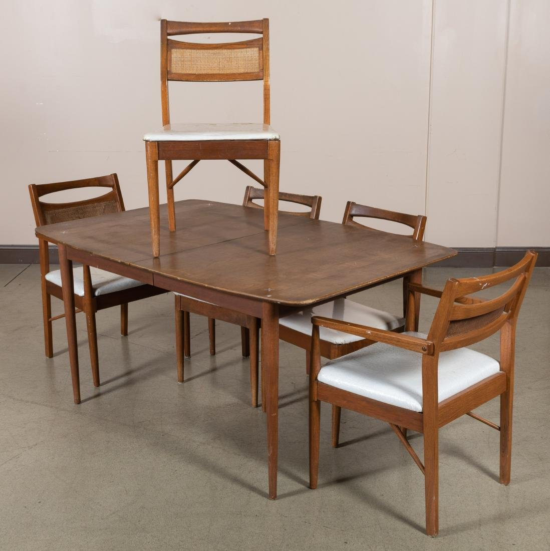 Superieur American Of Martinsville   Table And Chairs