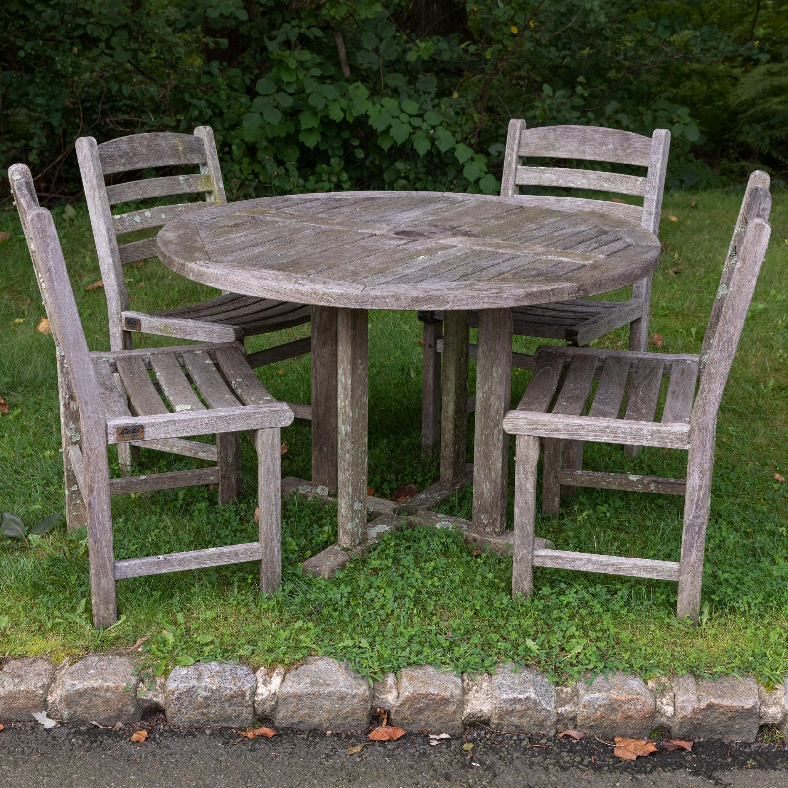 Gloster England - Teak Table and 4 Chairs