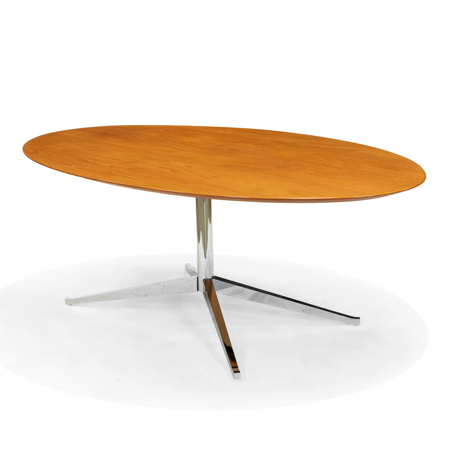 Eero Saarinen - Knoll - Dining Table