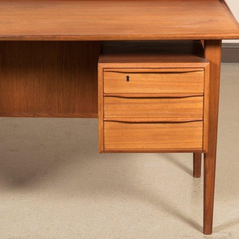 Dansk-Lovig Design Danish Floating Top Desk - 3