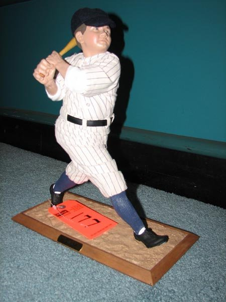 177: Babe Ruth stand-up figurine by Ashtone Drake - lim