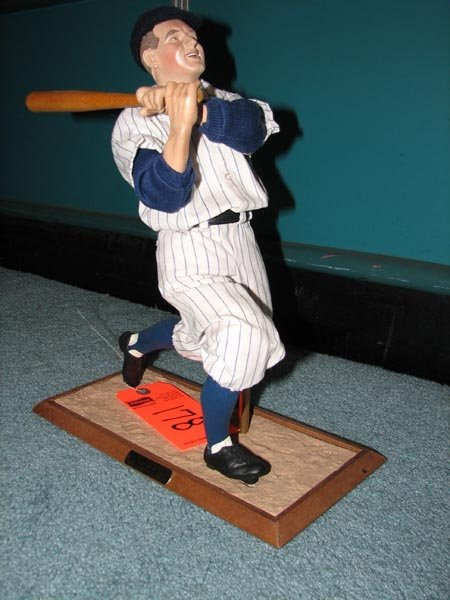 178: Lou Gehrig stand-up figurine by Ashtone Drake - li