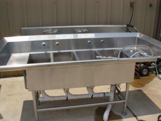 409: 7' 4-tub SS Sink w/ spray nozzle
