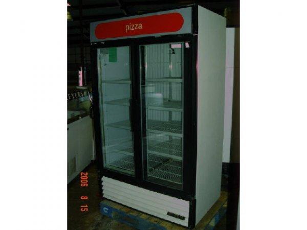 423: True 2-dr glass Freezer, 43CF