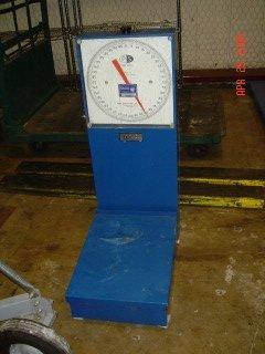 18: Penn 200lb Floor Scale