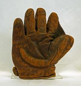 Ca.1890-1910 Spalding Crescent Pad Baseball Glove