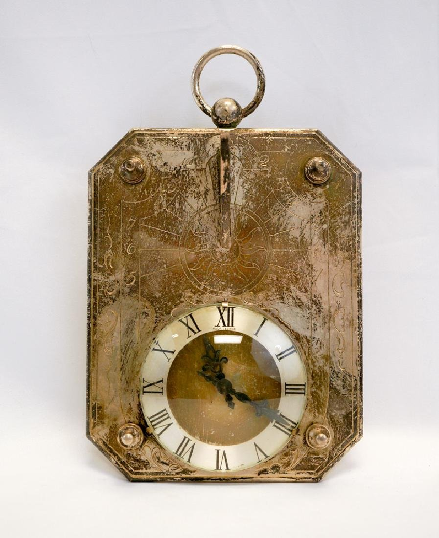 A Table Clock Hour Lavigne Sundial